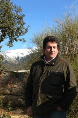 Carlos Aragon Cancela, en su finca del Canto de los Palancares.
